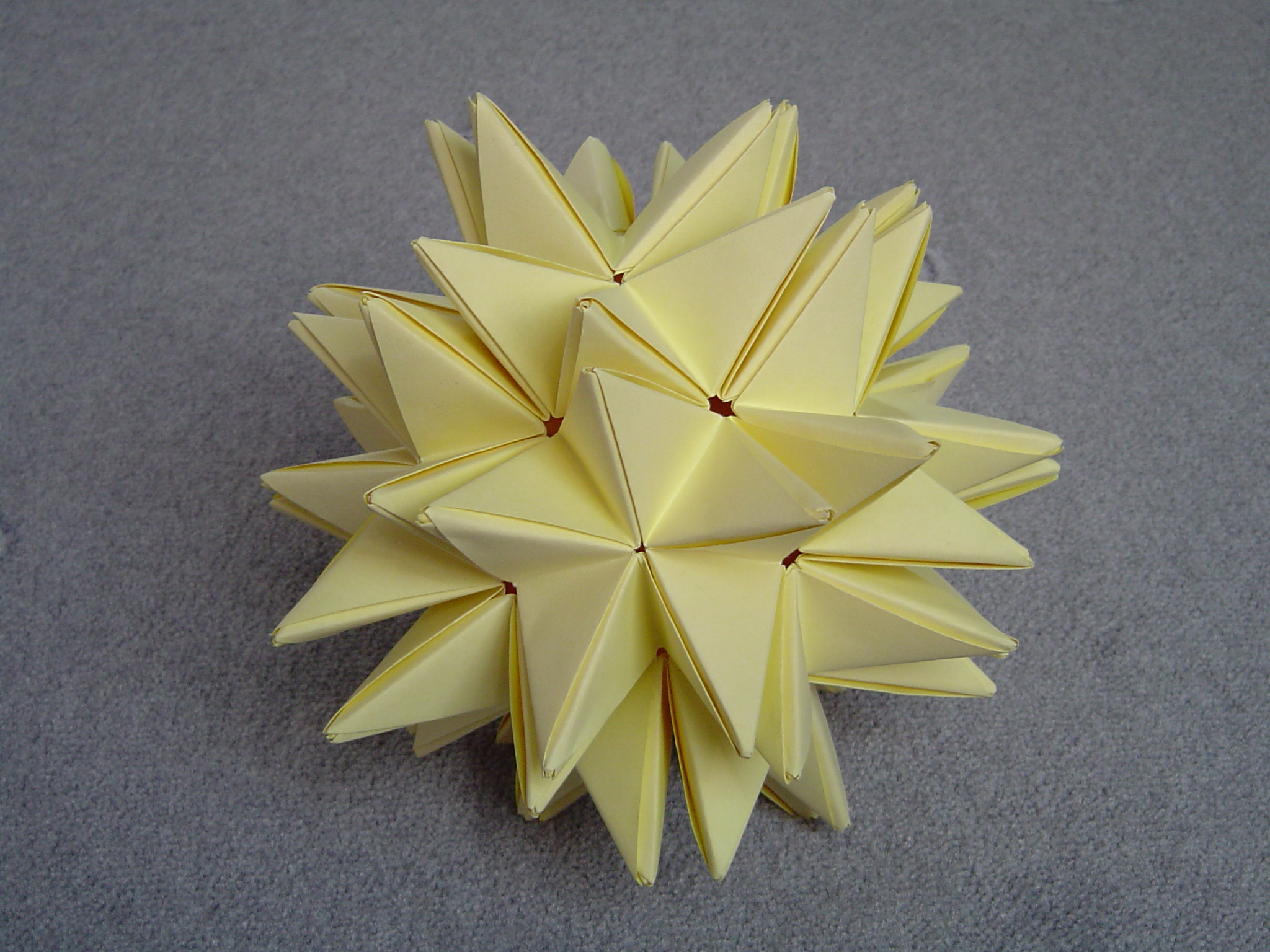 Transforming Origami Spike Ball - YouTube | Origami ball, Origami ... | 480x640