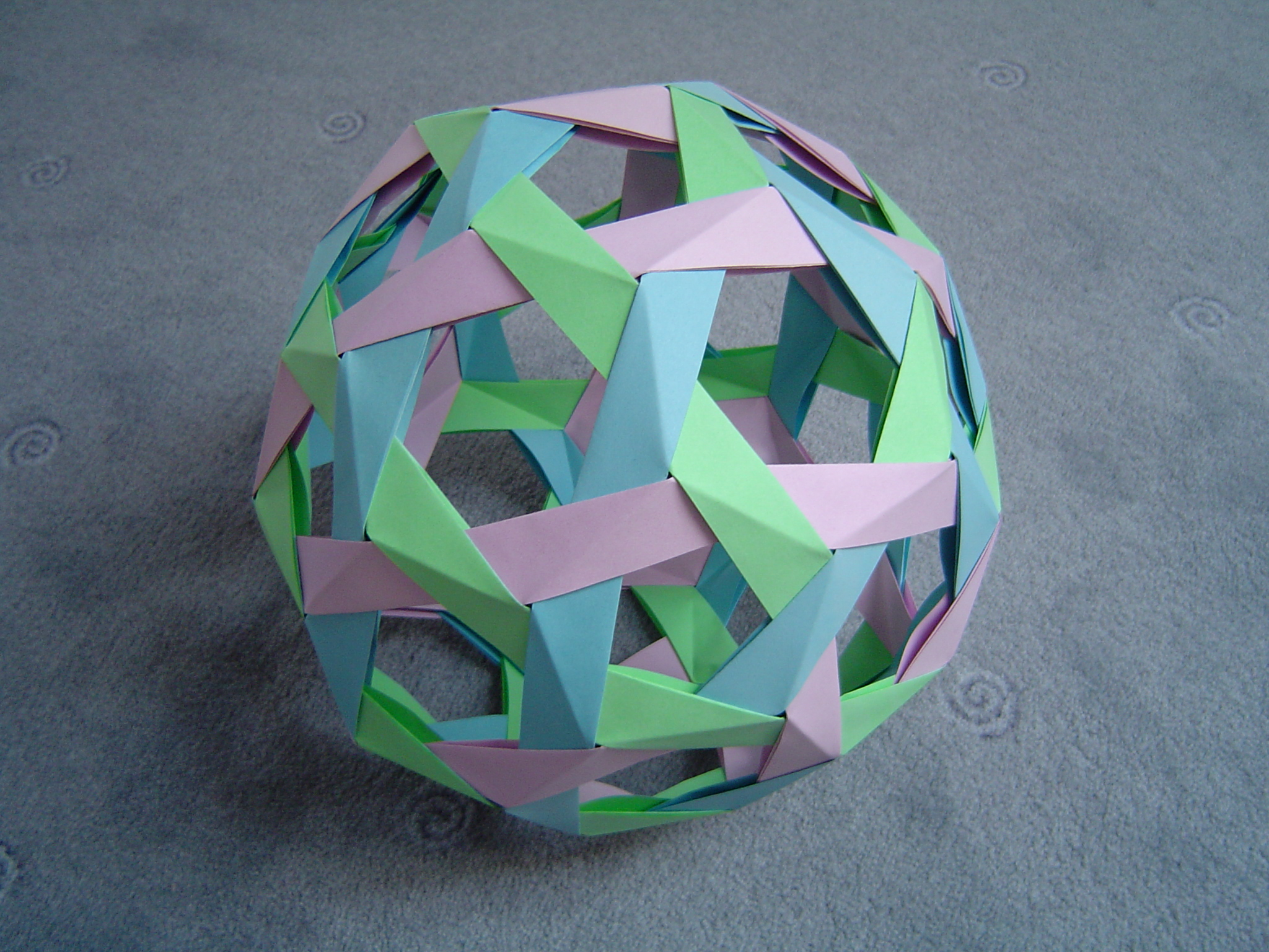 Kemari Origami Ball · Extract from Origami for Mindfulness by Mari ... | 480x640